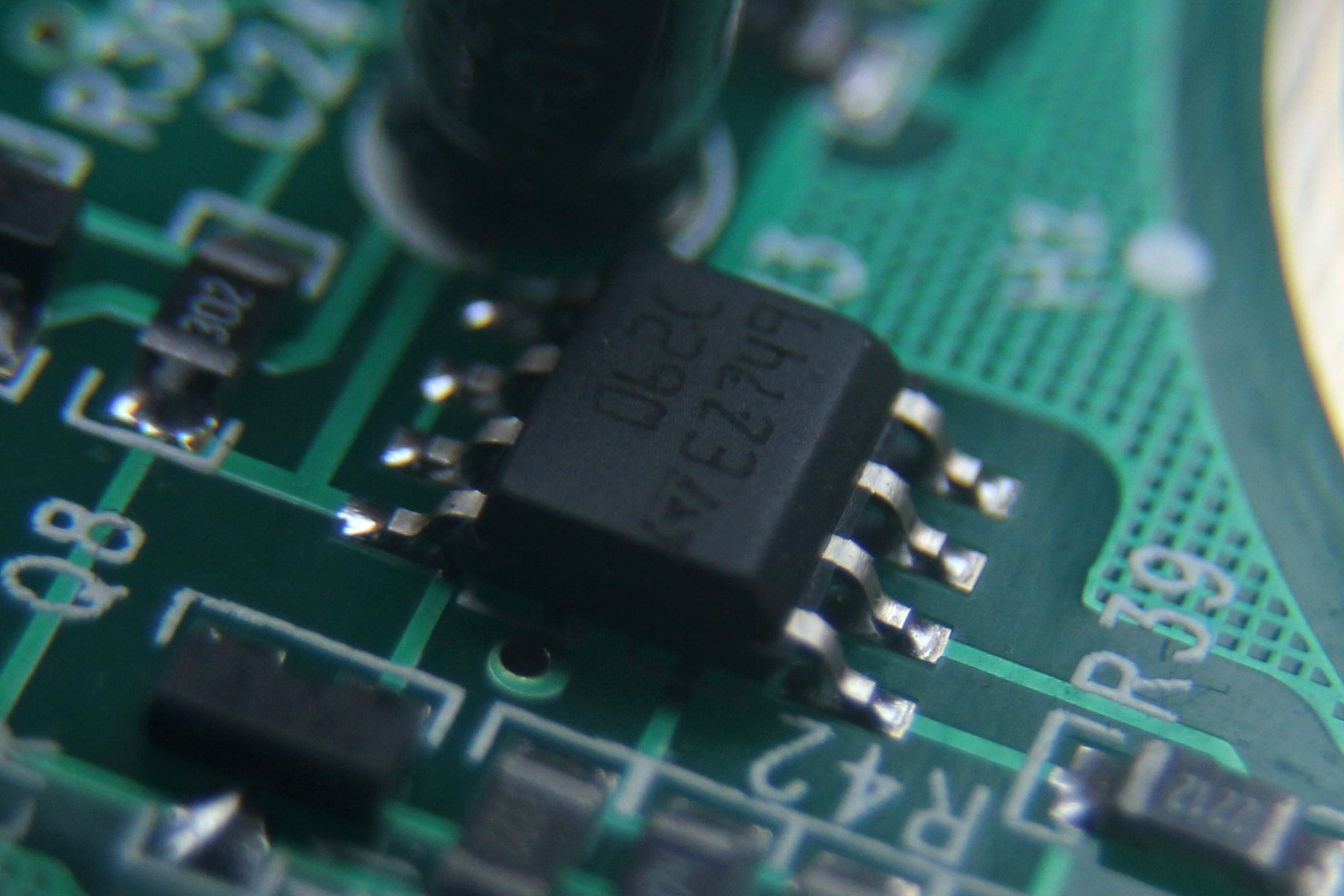 U3: 062C / EZ749, vermutlich Low-power JFET dual operational amplifiers